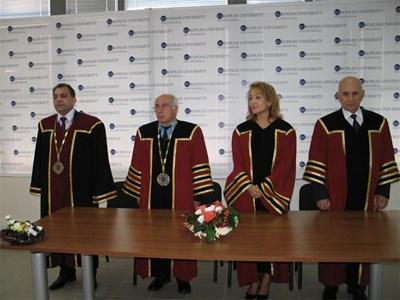 Учебната година в Европейския политехнически университет в Перник бе открита днес. СНИМКА: Светлана Стоименова