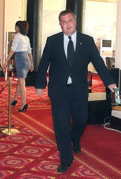 Вицепремиерът Красимир Каракачанов постави условия за оставките.  СНИМКИ: РУМЯНА ТОНЕВА