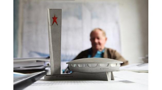 Неповторимият архитект Стоилов: Да строиш върху двореца на Константин и да поставиш международната редакция на БНР в тоалетната? Срам!