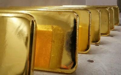 Инвестицията в злато носи до 12% лихва, но често  цената му пада за дълъг период от време.