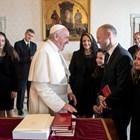 Мускат и семейството му са били приети от папа Франциск Снимка: Ройтерс