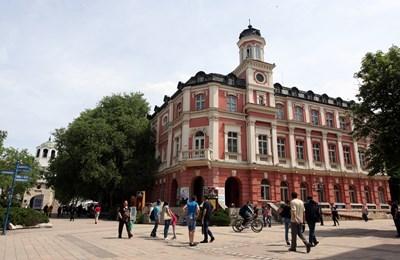 През миналата година Плевен пада от седма на осма позиция по брой на населението.