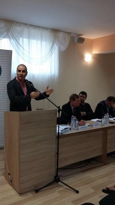 Цветанов тази сутрин откри регионалната политическа академия на Младежи ГЕРБ в Минерални бани, област Хасково. Снимки ГЕРБ