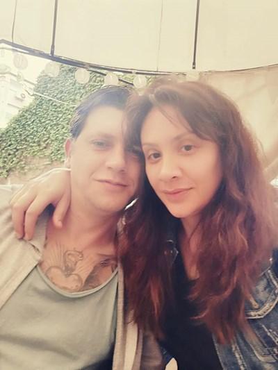 Мариана Попова и Веселин Плачков изненадаха приятелите си с промяната във визията на актьора. СНИМКА: ФЕЙСБУК