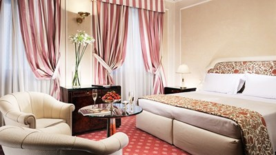 За да запазите най-изгодно хотелска стая, сравнете цените за нея в различните интернет платформи.