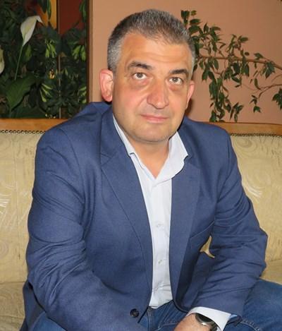 Кметът инж. Дилян Млъзев: През 2020 г.  всички улици в Елена ще са с нов асфалт