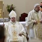 """Румен Станев (вляво) вече е дясна ръка на монсеньор Георги Йовчев. Снимка: """"24 часа"""""""