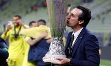 Битките на Емери, за да стане Мистър Лига Европа