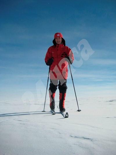 Йенс Столтенберг кара ски на минус 40 градуса на Южния полюс през 2011 г. СНИМКА: 24 часа
