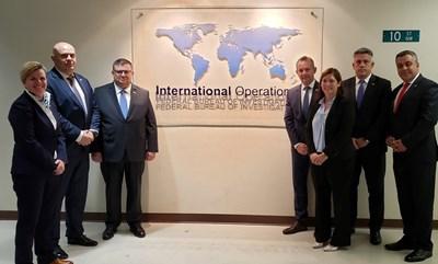 Сотир Цацаров и Иван Гешев по време на посещението им в САЩ, което приключи в четвъртък.  СНИМКА: ФБР
