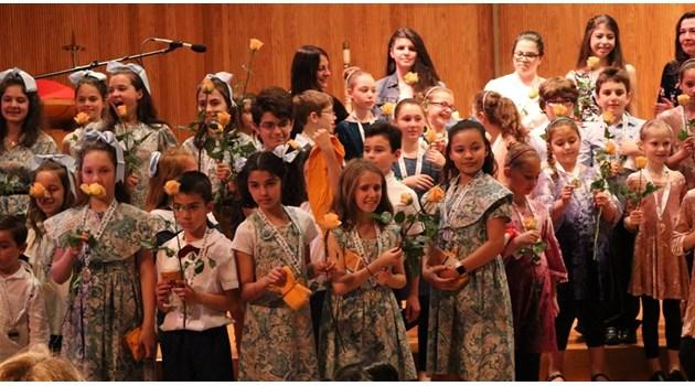 Български деца от Чикаго и Ню Йорк славят 24 май с истински празник на българското слово