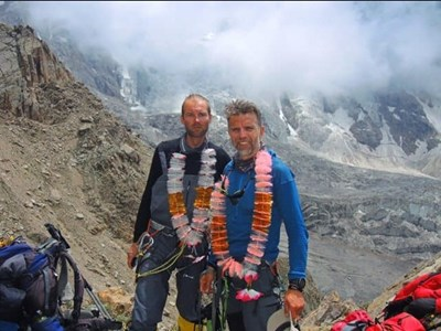 Иван Томов и Боян Петров на съвместно изкачване.