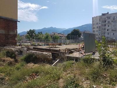 Строят нов физкултурен салон в училище в Дупница