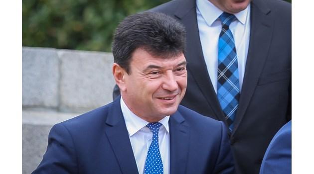 """Данъчен измамник и параноик провалиха """"Суджукгейт"""". Може да оправдаят ексдепутата Мартинов"""