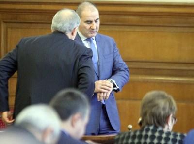 Цветан Цветанов и Румен Христов работеха заедно миналия мандат, когато днешният шеф на СДС оглавяваше земеделската комисия в парламента. СНИМКА: Румяна Тонeва