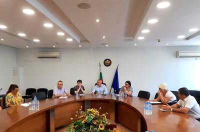 На проведената днес среща в Пловдив бяха обсъдени мерките за решаването на проблема с безводието в Кръстевич.