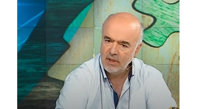 Службите разпитаха сина на охранителя на Людмила Живкова за шпионския скандал