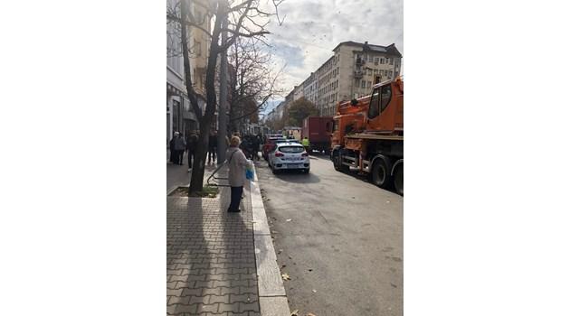 Трамваят дерайлирал, след като ватманката опитала ръчно да смени стрелката