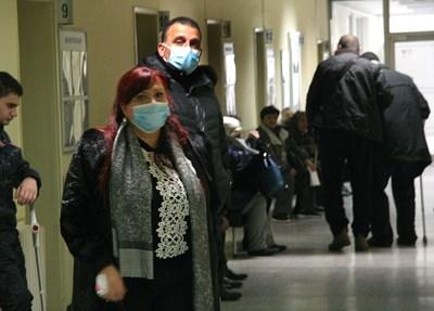 Хората могат да вземат болничния лист от общопрактикуващия си лекар след изтичането на карантината.   СНИМКА: Евгени Цветков