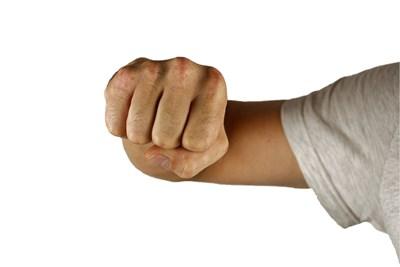 Арест за домашен насилник, нарушил ограничителна заповед и пак набил жена си