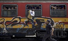 """Българин с """"Пулицър"""" за снимка от Македония е с черен печат за страната"""