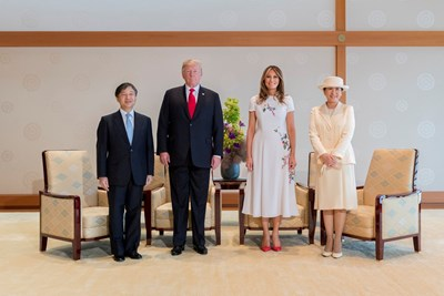Японското императорско семейство и Доналд и Мелания Тръмп СНИМКИ: Ройтерс