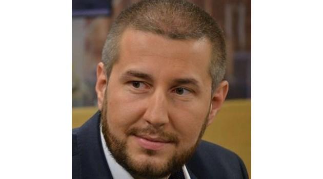 Как пък на нито една телевизия не й стана интересна репликата на депутата от БСП Александър Паунов?
