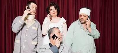 """Снимка от пиесата """"Трима мъже и една Маргарита"""", написана от Лиза Шопова за Христо Мутафчиев и сина им Асен.  АРХИВ НА ТЕАТЪРА"""