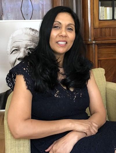 Посланик Ванеса Калверт
