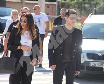 Александра Арабаджиева и Вълчо Арабаджиев влизат в апелативния спецсъд. СНИМКА: Румяна Тонева