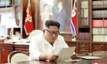 Ким Чен Ун изкачи на бял кон най-високия връх на Корейския полуостров