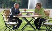 3 часа преговаряха Меркел и Путин в старинен замък до Берлин, срещата мина без взаимни отстъпки