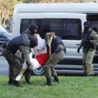 Сто и петдесет души са били задържани за участие в неразрешени протести в Беларус вчера. Снимки: Ройтерс