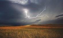 Гръмотевични бури и дъждове в почти цялаа страна днес