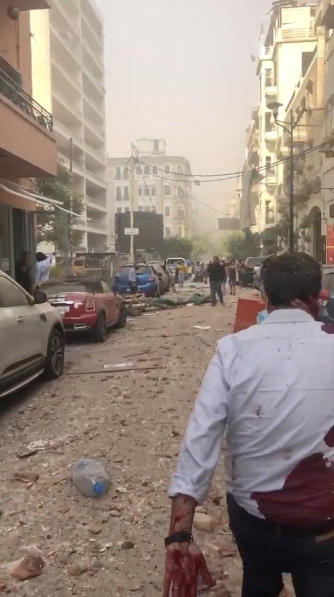2750 тона амониев нитрат се взривили в Бейрут заради небрежност