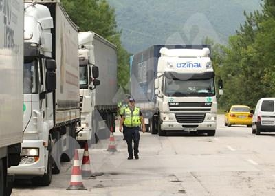 Камионите все пак ще се връщат на 8 седмици. СНИМКА: 24 часа