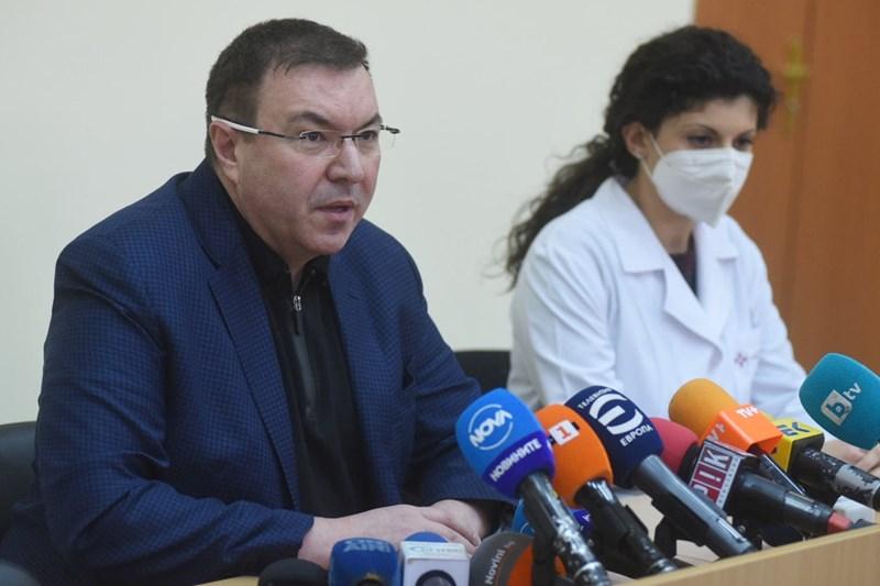Проф. Костадин Ангелов на брифинг след ваксинацията СНИМКА: Велислав Николов