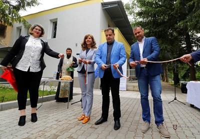 Даниел Панов преряза лентата на новия комплекс за социални услуги
