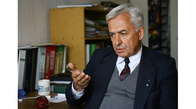 Астрофизикът Филипов остава в БАН въпреки откритието му за гущери на Венера