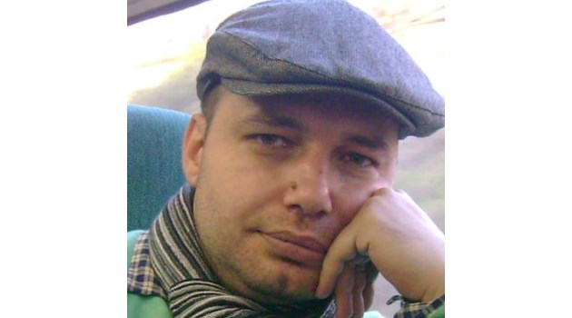 """Нинова недоволна, че """"Дума"""" не бил опозиционен вестник, сменя главния  редактор с емигранта Мичев от Лондон (Обзор)"""