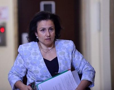 Десислава Танева на заседанието на правителството. СНИМКА: Йордан Симeонов