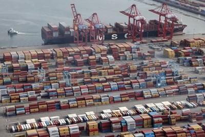 """Вносът в България през февруари е на обща стойност 5,4 млрд. лв.  СНИМКА: """"24 ЧАСА"""""""