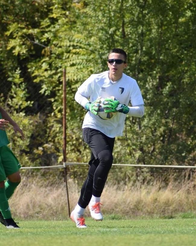 Деян Донков-младши е вратар