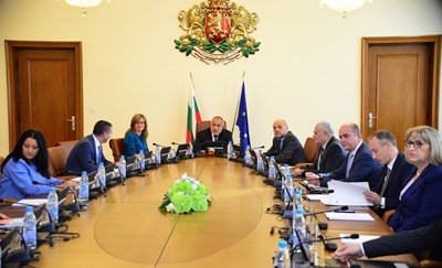 Prime Minister Boyko Borisov said the government is making a huge effort not to raise fuel prices, but prices are determined by the market.