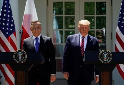Полският президент Анджей Дуда и президентът на САЩ Доналд Тръмп  СНИМКА: Ройтерс