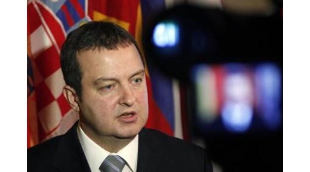 Скандал със Сърбия: Вицепремиерът Ивица Дачич нападна Борисов, че не изразява позицията на ЕС за Косово. Захариева повика посланика