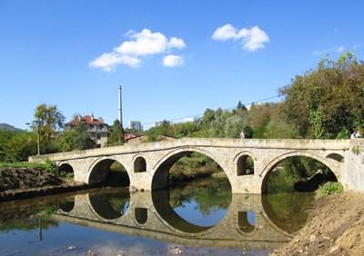 Прокуратурата в Габрово проверява бетонирания мост на Колю Фичето в Дряново