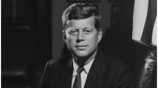 Банкери, мафията или хомосексуална банда стоят зад убийството на Кенеди?
