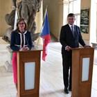 Екатерина Захариева и Томаш Петричек в Прага Снимки: МВнР