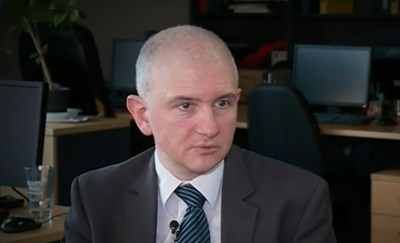 Николай Петров Кадър: NOVA